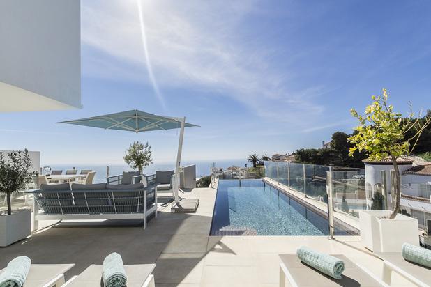 Schitterende, moderne villa met prachtig zeezicht