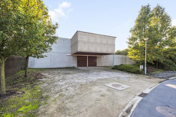 Hedendaagse villa met industriële uitstraling in Wielsbeke
