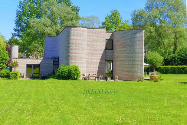 eigentijdse villa (architect Metzger ! ) op 52 are * VERZICHT * zeer RUSTIG *