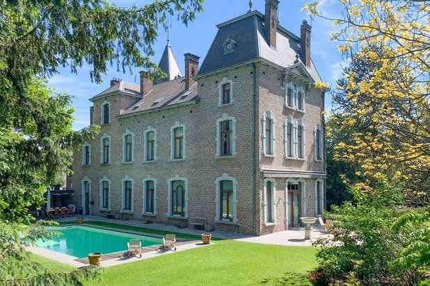 Historical building for sale at Charleroi (Lodelinsart) with reference 19300293981