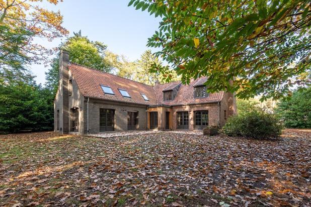 Volledig gerenoveerd landhuis met legio aan mogelijkheden hartje Heide op een terrein van 2.595 m2
