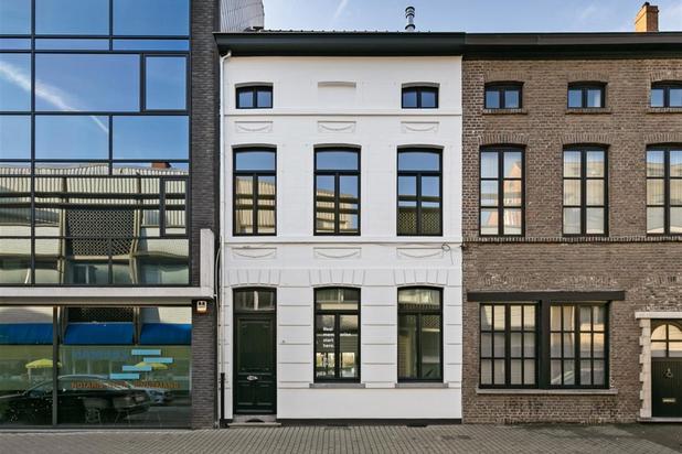 Te koop: compleet gerenoveerde herenwoning in centrum Oudenaarde