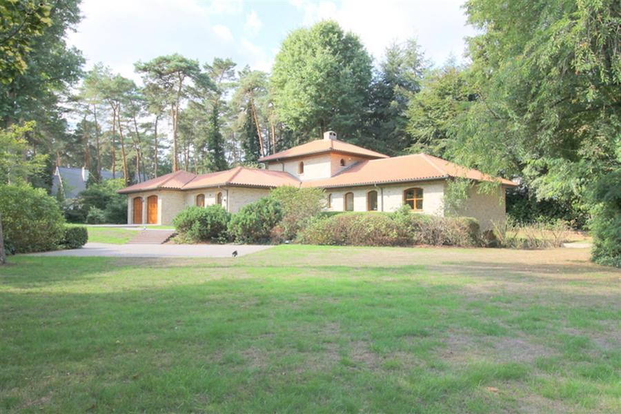Unieke en ruime villa op 3.037m² te KEERBERGEN