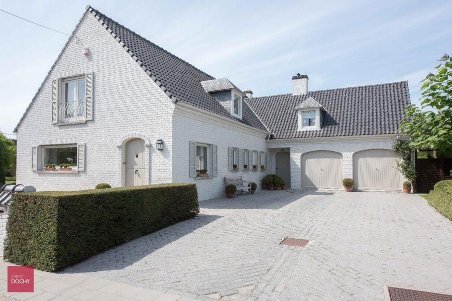 Perfect onderhouden en goed gelegen villa met zonnige tuin