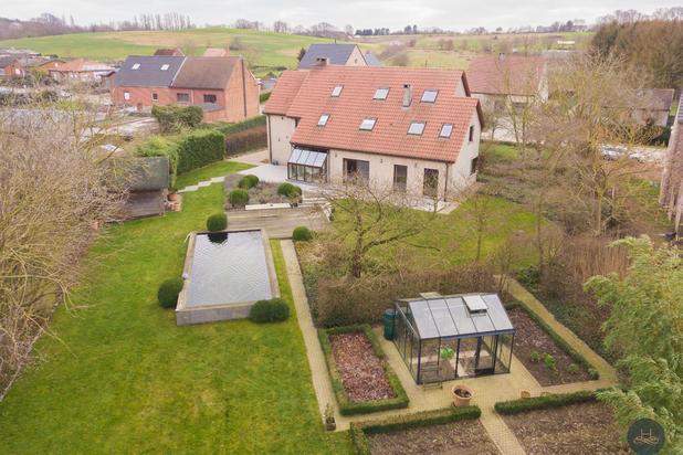 Prachtige villa met zéér veel ruimte en fantastische tuin