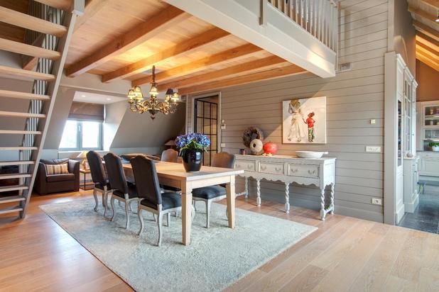 Riant twee slaapkamer-appartement met ruim zongericht terras in hartje Lichtervelde.