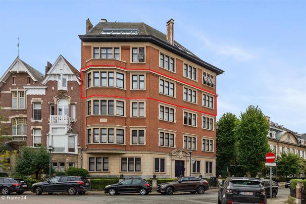 Prachtig luxueus appartement met 3 slpk +  garagebox (extra aan te kopen)