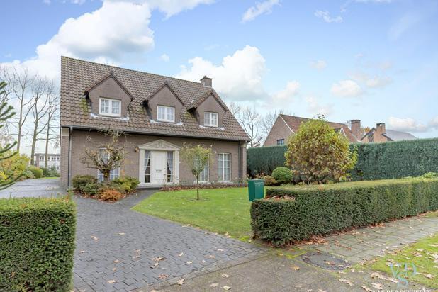 Ruime, tijdloze villa in de Gaverse Warande !