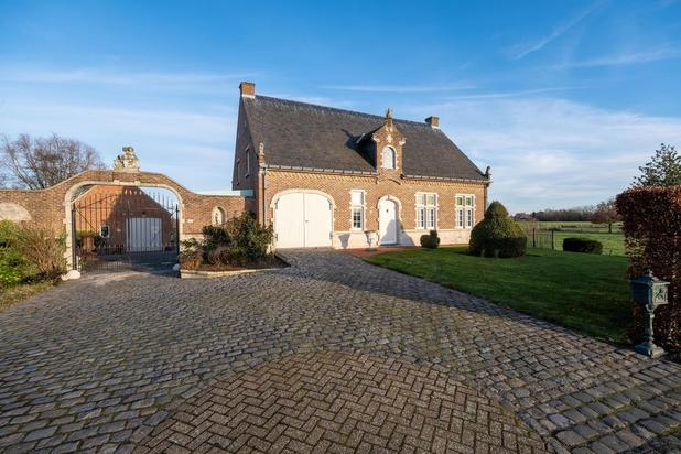 Rustig gelegen villa op een perceel van 2.177 m² te Beerzel