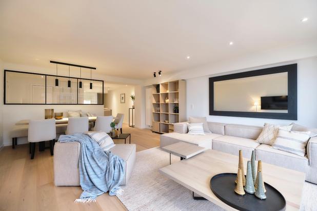 Mooi appartement gelegen aan de zonnekant van het Van Bunnenplein met ZEEZICHT.