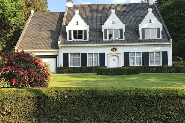 Zeer ruime en statige Zoute-Villa te Schilde-Bergen op 3980 m² met oa. 6 slaapkamer, 2 badkamers en verwarmd zwembad.