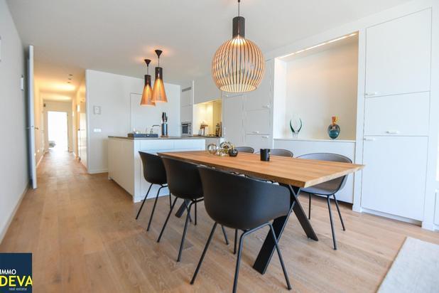 Instapklaar appartement op de Zeedijk met FRONTAAL ZEEZICHT gelegen tussen het Rubensplein de P. Parmentierlaan