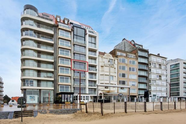 Modern appartement met frontaal zeezicht in het Zoute