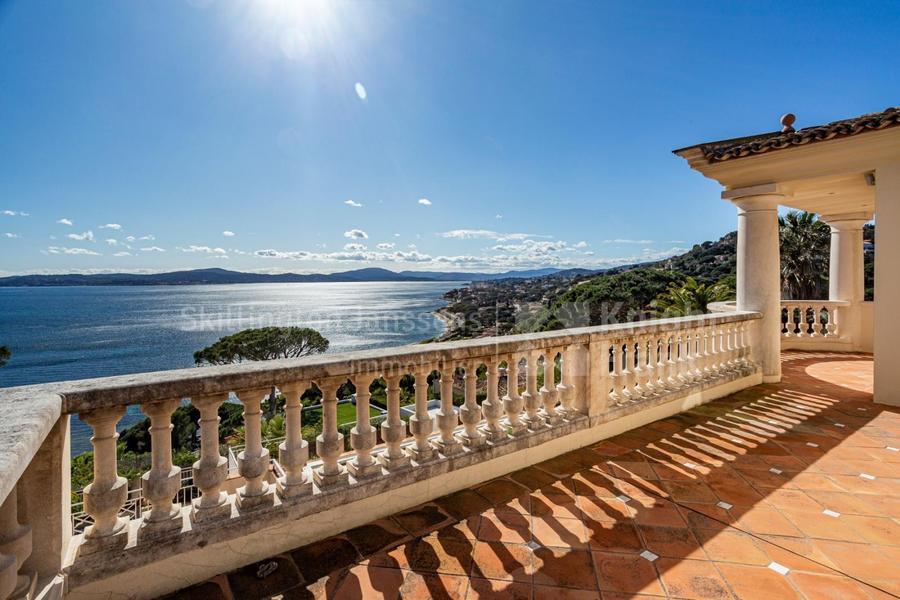 Maison vue mer panoramique à vendre à Sainte Maxime