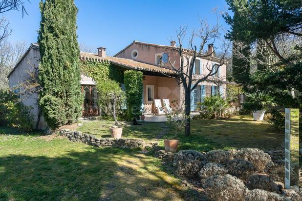 Villa te koop in Lagnes met referentie 19201304826