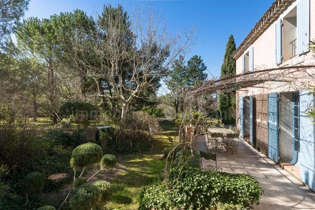 Villa te koop in Lagnes met referentie 19401604527