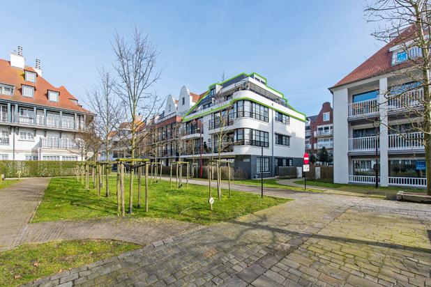 Luxueuze penthouse met 4 slaapkamers en zonovergoten terras in hartje De Haan