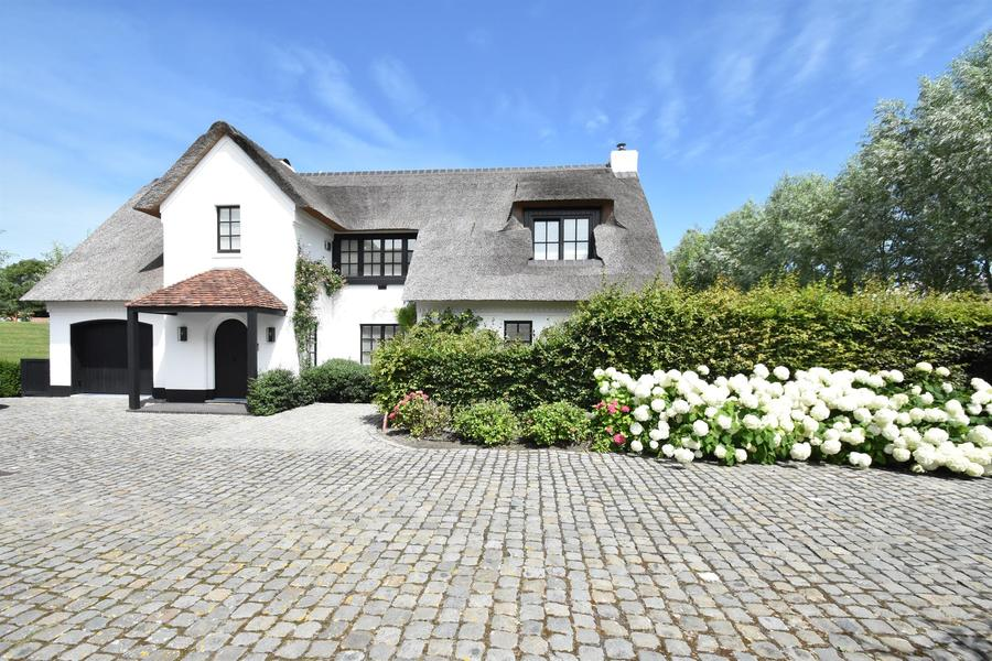 Villa te koop in Knokke Kalfhoek met referentie 19301905329