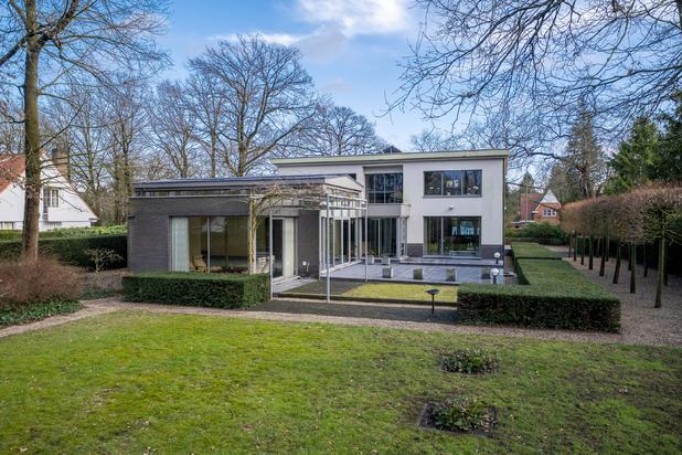 Exclusieve villa op een perceel van ca. 3.250 m² te Lommel