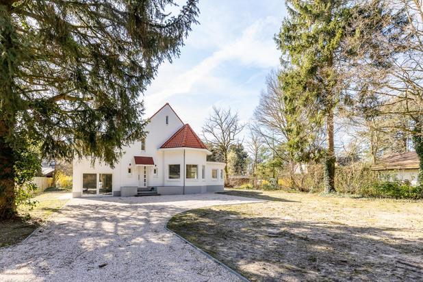 Authentiek gerenoveerde villa met 4 slpkrs