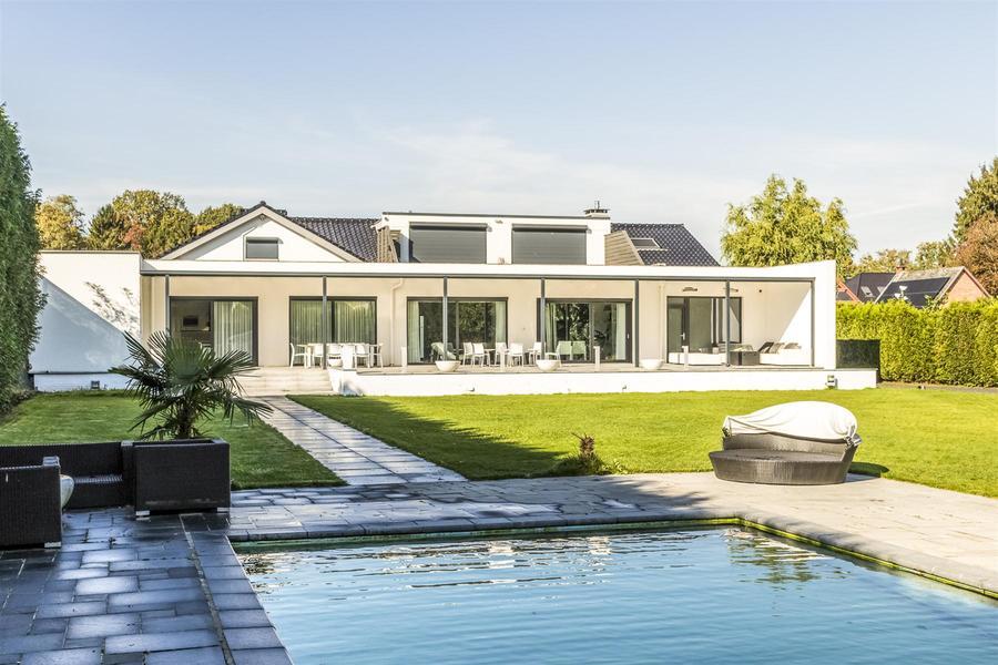 Luxe villa op 3.744m met binnen- en buitenwellness!
