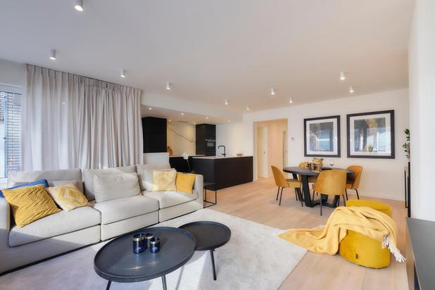 Luxueus gerenoveerd appartement gelegen in het centrum van Knokke vlakbij de Dumortierlaan en het strand