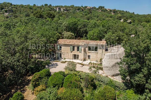 Villa for sale at Gordes with reference 19601705990