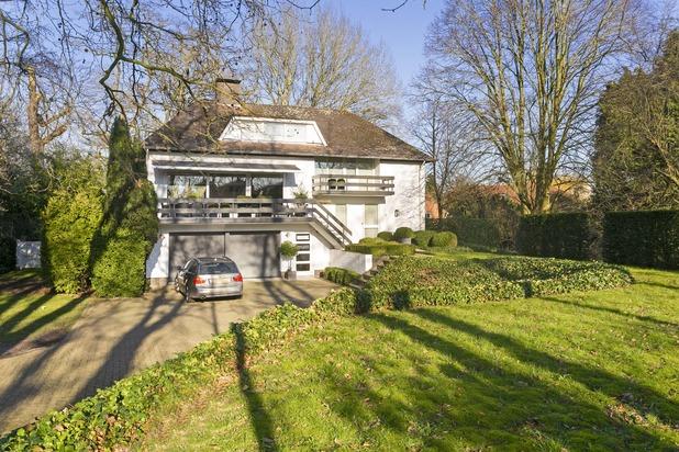 Mangifique villa spacieuse à Sluis avec option B&B/cabinet/studio.