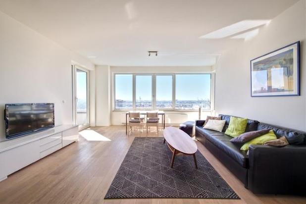 Schiterend appartement in de Up Site toren bij de Kanaal
