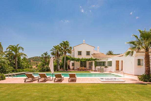 Villa te koop in La Mairena, Marbella Oost