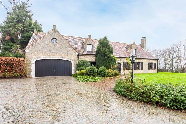 Villa te koop in Gits met referentie 19200614656