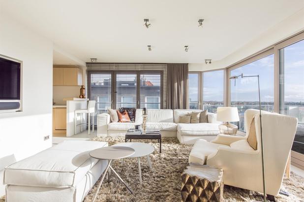 Penthouse de coin avec de vues imprenables sur les villas du Zoute! Grandes terrasses!