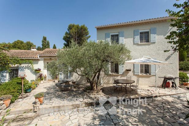 Villa te koop in L'Isle-sur-la-Sorgue met referentie 19600191441