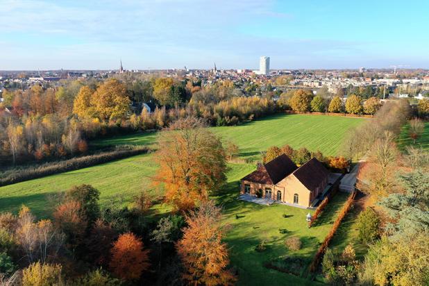 Magnifiek gerenoveerd landhuis op een perceel van ca. 1,6 ha te Turnhout
