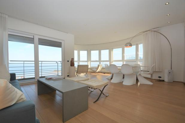 Prachtig hoekappartement in een voorname residentie op de zeedijk van het Zoute...