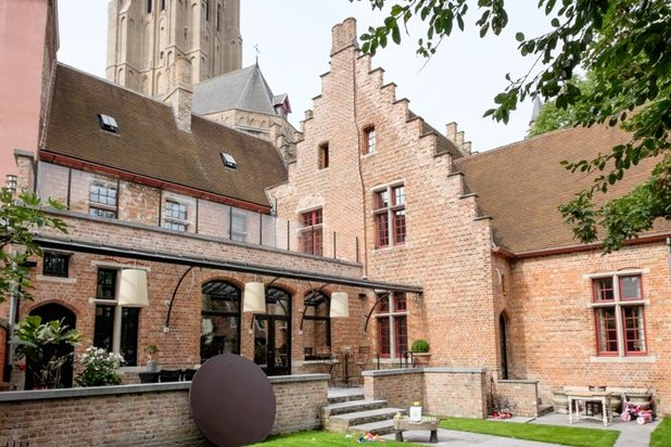 City Center of Bruges exclusive renovated presbytery - visit? 0497517099