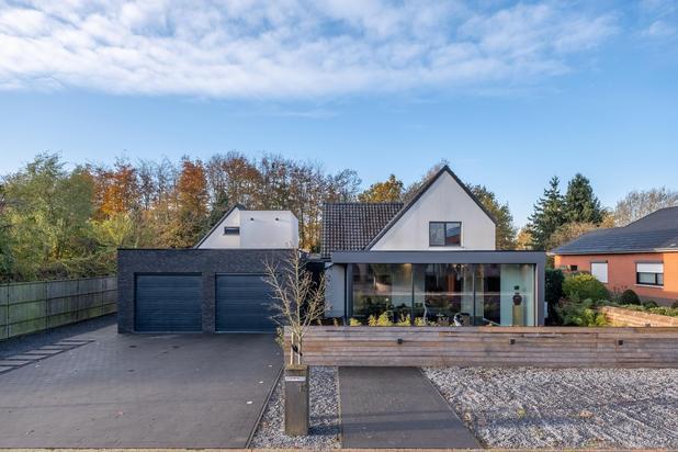 Hedendaagse villa op een perceel van ca. 900 m² te Heusden-Zolder