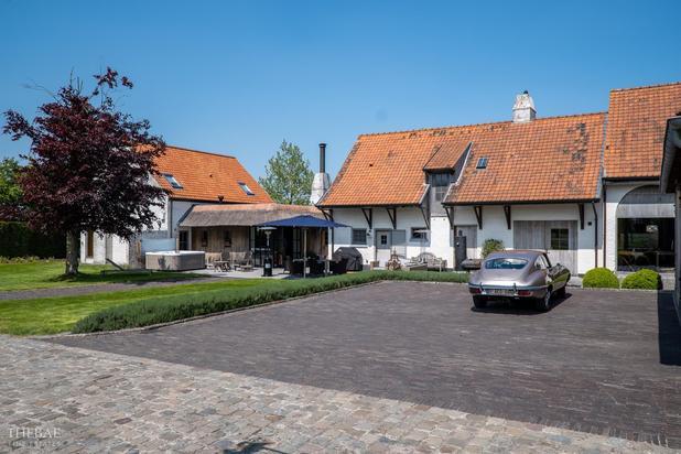 Charmant landhuis met bijgebouwen op 22.854 m2.