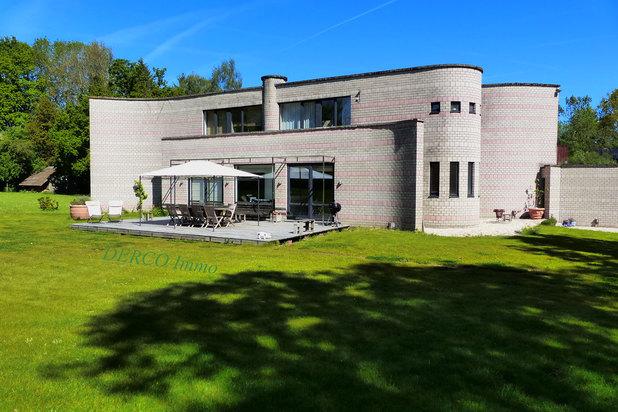 villa contemporaine (architect Metzger ! ) sur  52 are * belle VUE * au CALME
