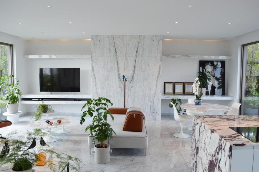 Exclusief penthouse (120 m2) met high-end afwerking, privélift, 2 zonneterrassen (60 m2) op toplocat