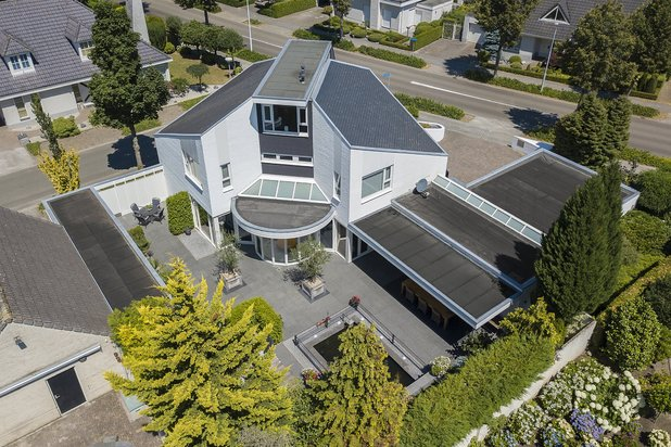 Villa for sale at EINDHOVEN with reference 19101115263
