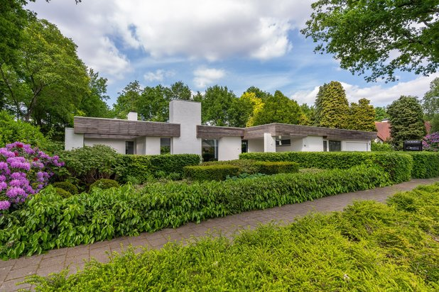 Villa for sale at EINDHOVEN with reference 19201915775