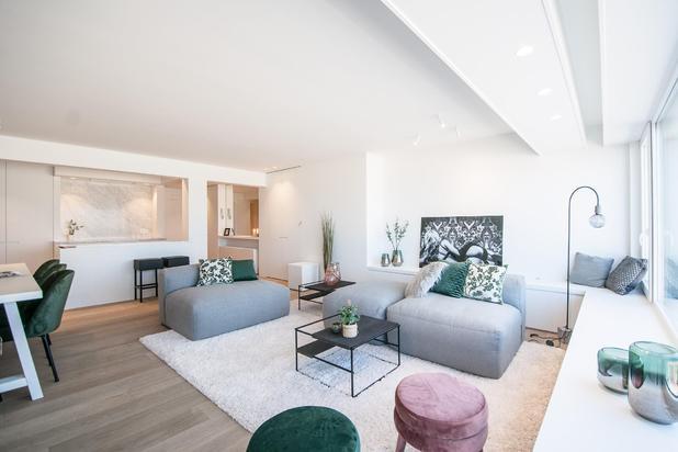 Volledig gerenoveerd 3-slpk. appartement, gelegen op de Zeedijk Albertstrand, tussen het Casino en de RBSC Duinbergen...