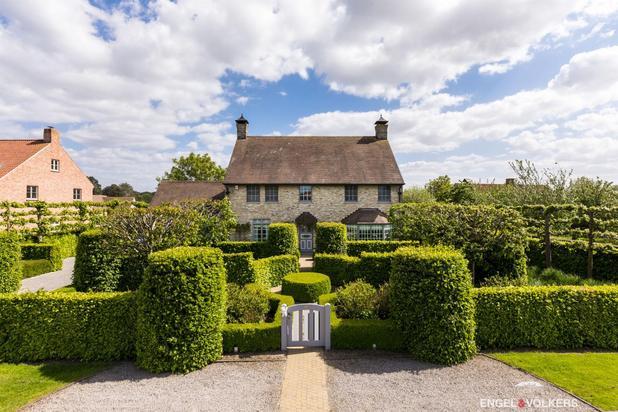Cottage villa met prachtig aangelegde tuin