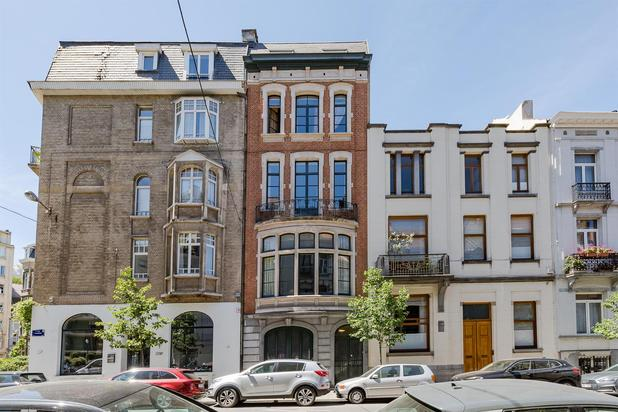 Villa for sale at Ixelles with reference 19201917453