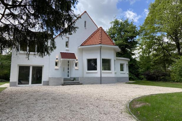 Totaal gerenoveerde villa op 15,51 are