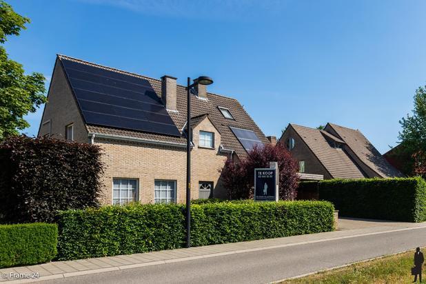 Instapklare woning met 5-6 slaapkamers, 2 badkamers en onderhoudsvriendelijke tuin nabij het centrum van Hove