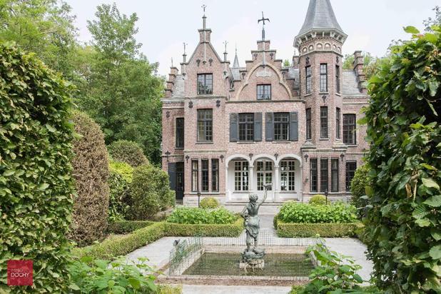 Omwalde kasteel-villa nabij centrum