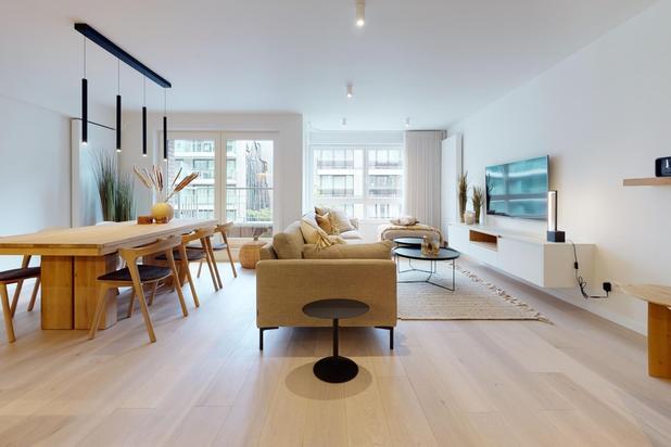 Luxueus afgewerkt appartement met ruime woonkamer gelegen op de Lippenslaan in het centrum van Knokke