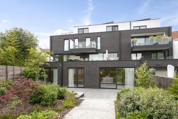 Schitterend gelijkvloers appartement met mooie tuin